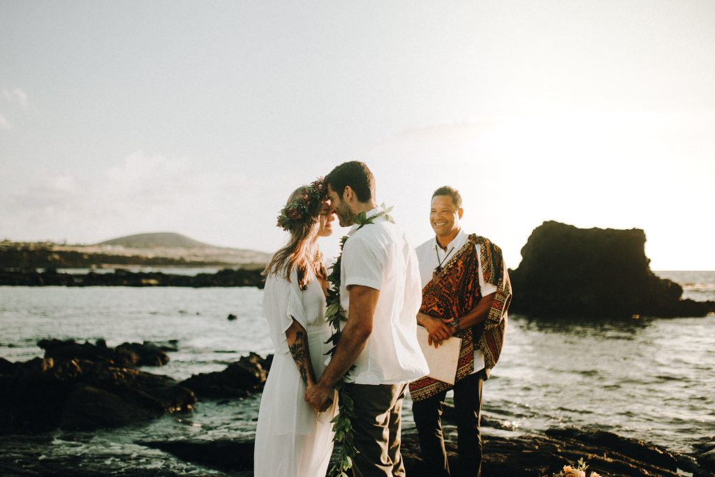 hawaii wedding, big island elopement, hawaii elopement, hawaii wedding, big island wedding, big island wedding ceremony, hawaii beac wedding, hawaii lei, bride flowers, lava wedding, barefoot wedding, artistic wedding hawaii