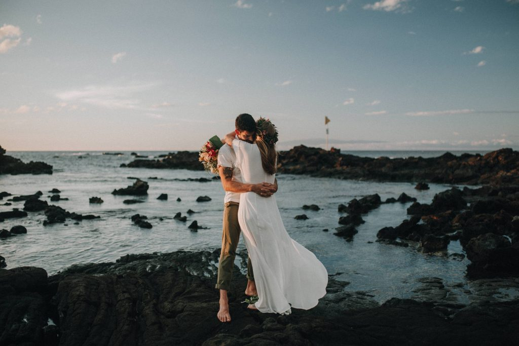 hawaii wedding, big island elopement, hawaii elopement, hawaii wedding, big island wedding, big island wedding ceremony, hawaii beac wedding, hawaii lei, bride flowers, lava wedding, barefoot wedding, lava wedding big island