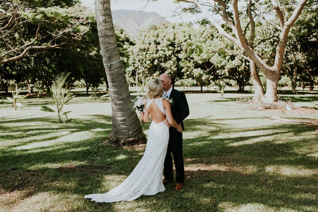 hawaii wedding photographer Couple Cups