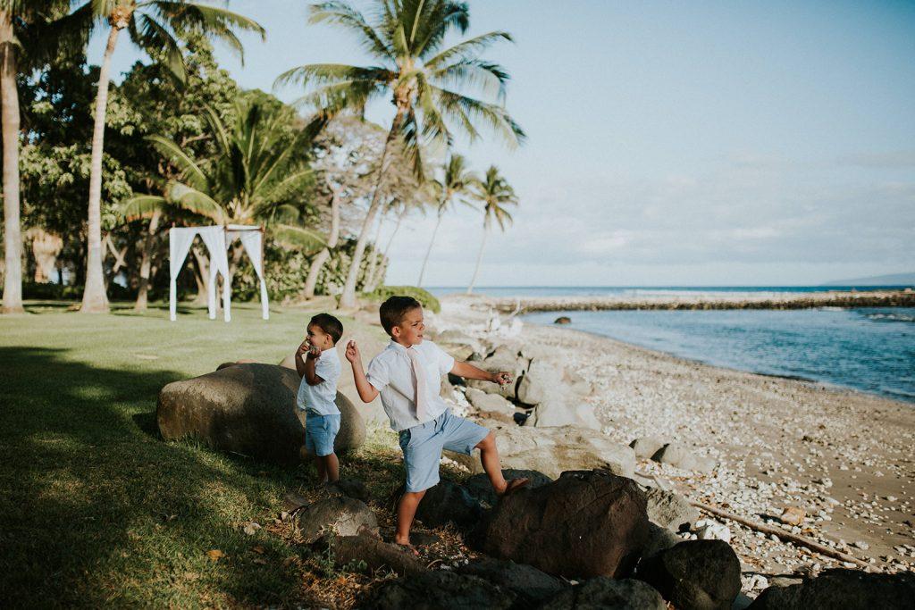 hawaii photographer couple cups