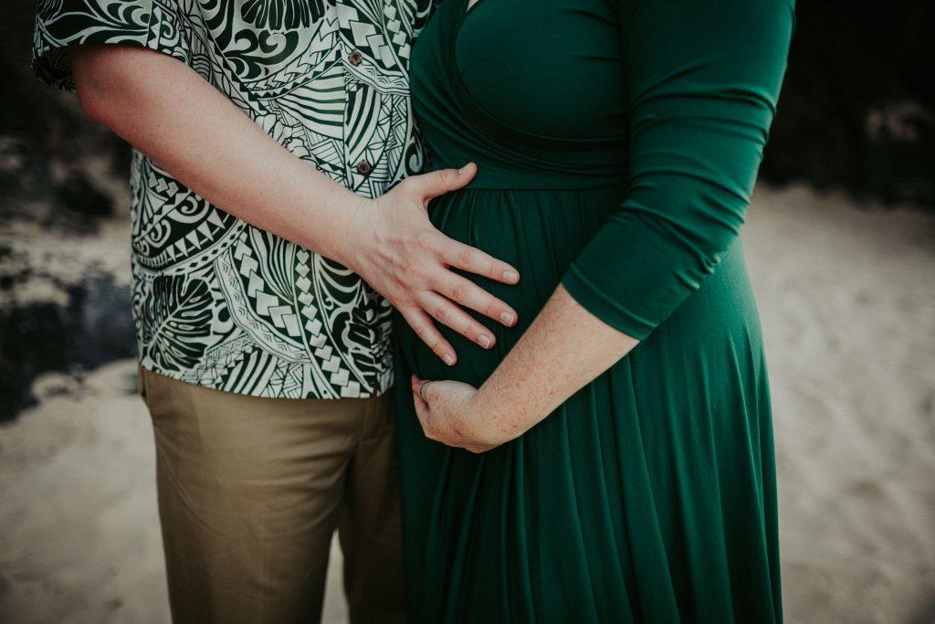 hawaii maternity photographer, big island maternity, hapuna beach, big island photographer, big island family photographer, maternity dress