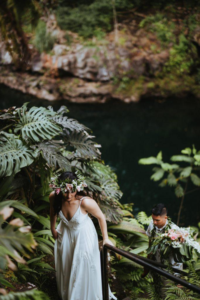 lava rocks wedding, volcanic wedding, modern wedding in hawaii, hawaii flowers, hawaii wedding photography, big island wedding packages, how to plan elopement hawaii