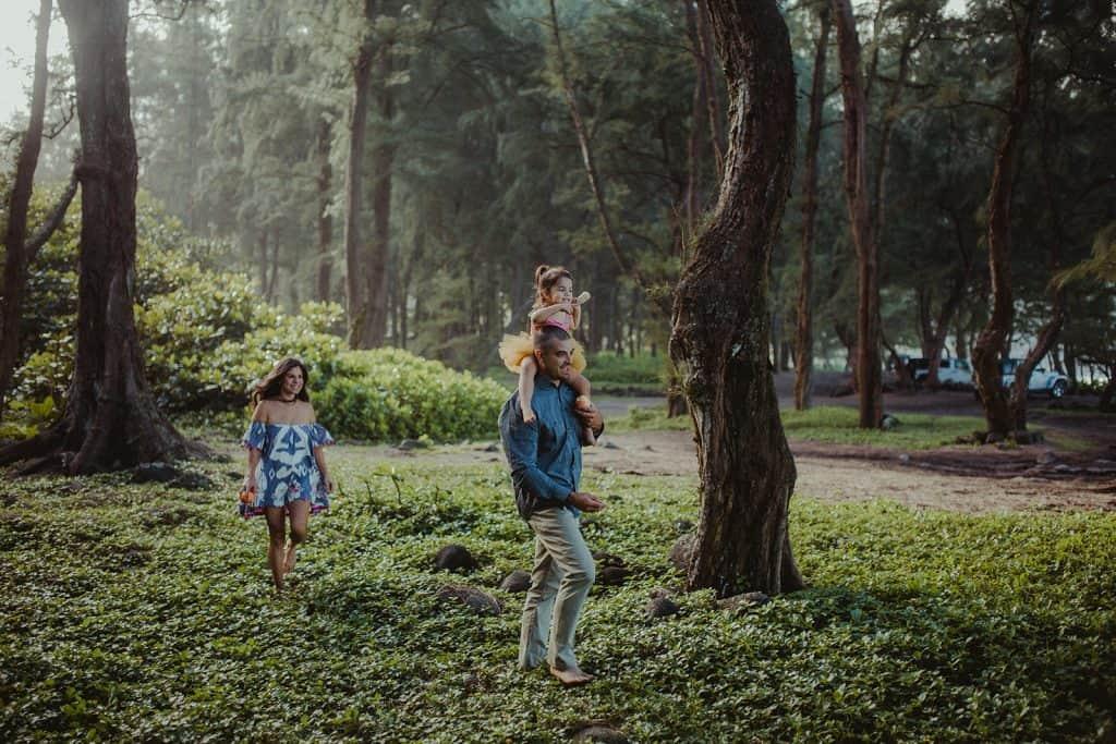 family photo session, waipio valley, big island family photo session, big island photographer, waipio valley photo session, best places for photos in hawaii