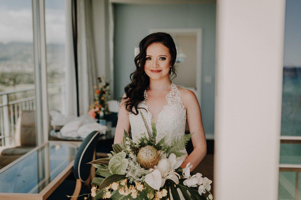 hawaii wedding, waikiki aquarium, hawaii florist, hawaii wedding, honolulu wedding, oahu photographer, oahu wedding photographer