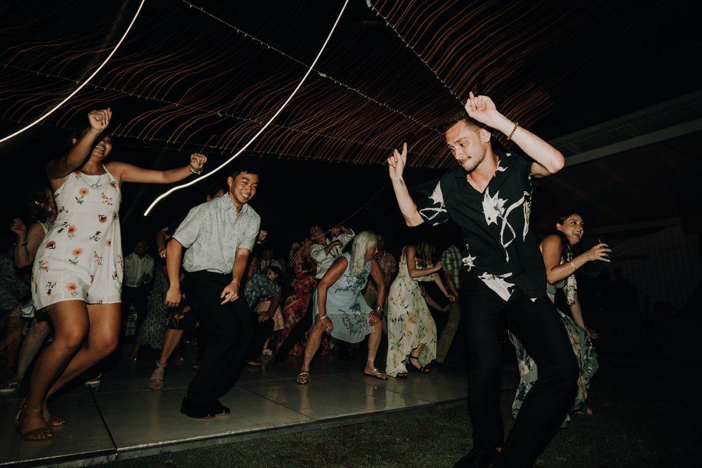 Waikiki Wedding, waikiki aquarium, waikiki aquarium wedding, honolulu wedding, hawaii recepton ideas, spectrum entertainment hawaii