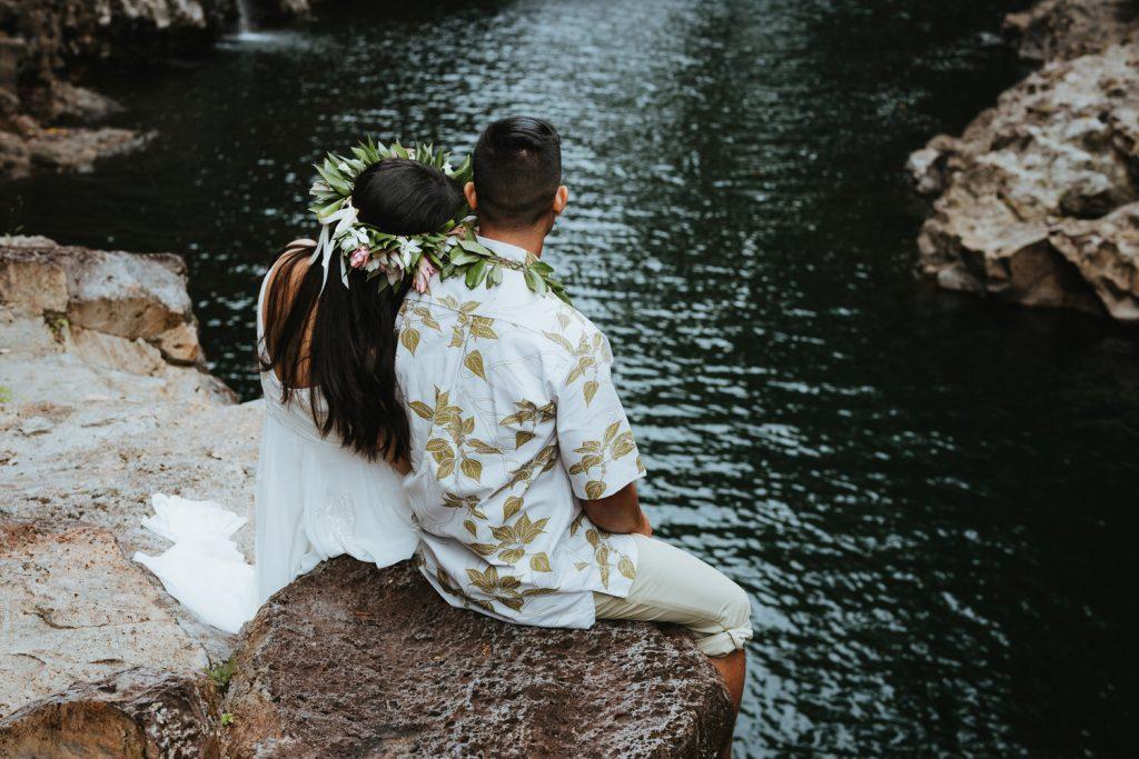 lava rocks wedding, volcanic wedding, modern wedding in hawaii, hawaii flowers, hawaii wedding photography, big island wedding packages, how to plan elopement hawaii, big island best wedding photographers
