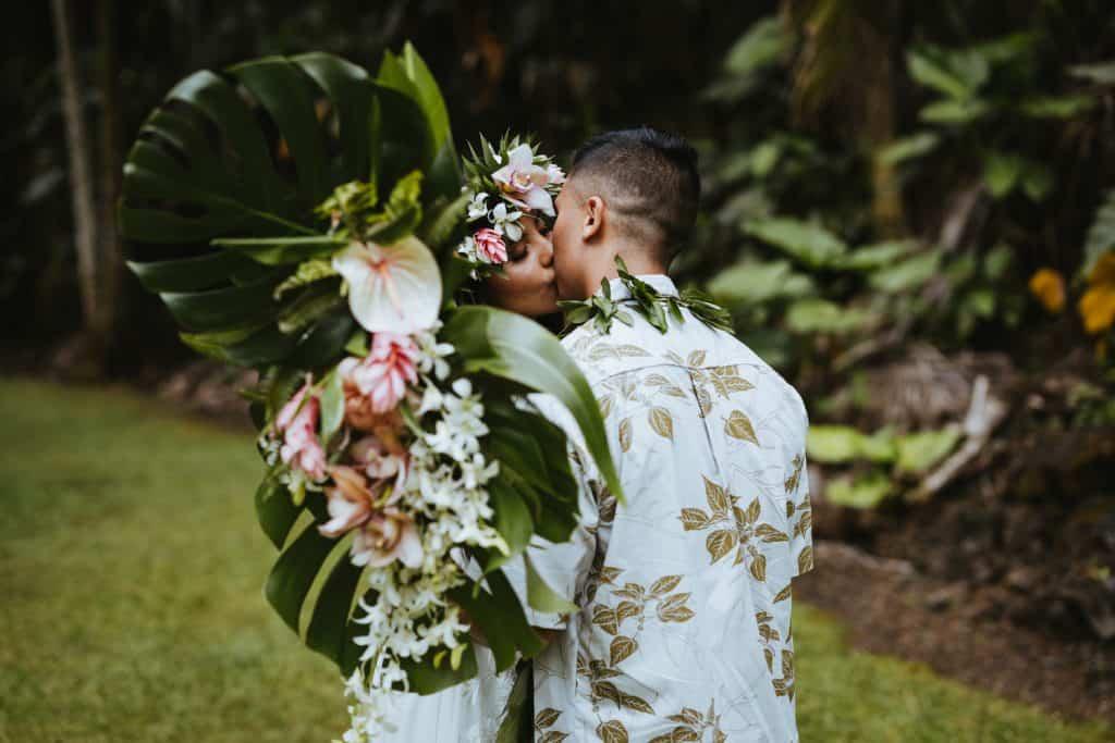 hawaii rainforest wedding, hawaii wedding photographer, waterfall in hawaii, hawaii waterfalls wedding