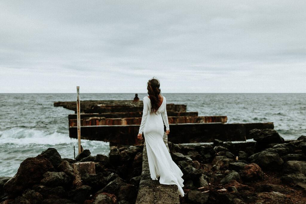 hawaii wedding dress, big island elopement, big island photographer, eloping on the big island hawaii, elopement packages hawaii, big island elopement packages, elope hawaii on the beach